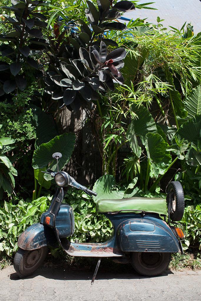 bajajscooter.jpg